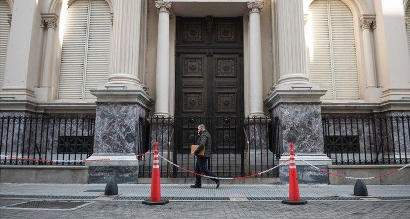 Kovid-19 kaynaklı ölümlerin 100 bini geçtiği Arjantin'de 5 gün ulusal yas ilan edildi