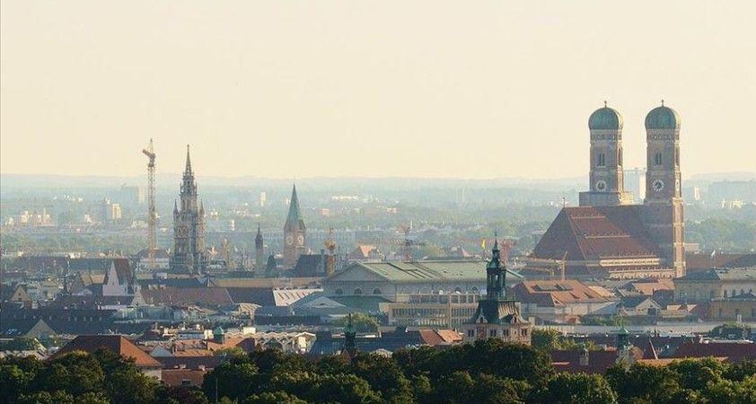 Münih'te artan Kovid-19 vakalarına karşı alkol yasağı uygulaması