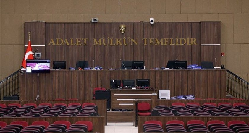 18 yaşındaki kıza 'nitelikli cinsel saldırı'da bulunduğu iddiasıyla yargılanan eski uzman çavuş, hakim karşısında