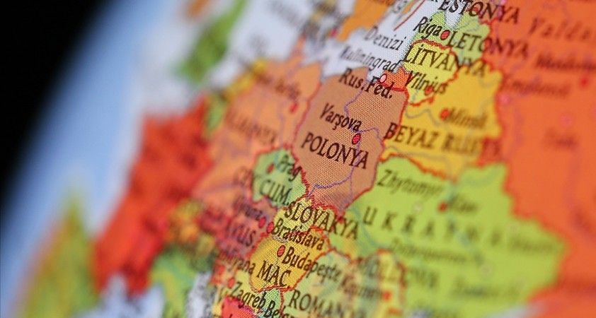 Polonya bir Rus diplomatı sınır dışı etti