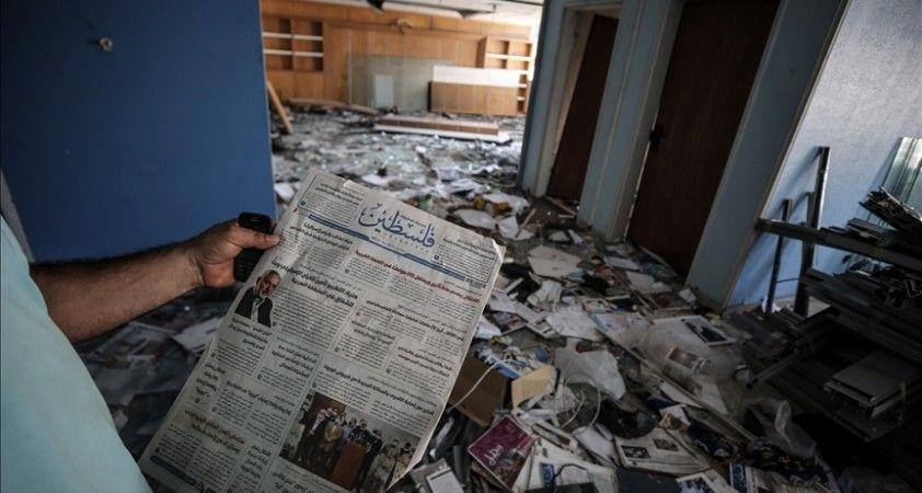 İsrail 11 gün süren saldırılarında Gazze'deki tek günlük gazetenin ofis binasını da vurdu