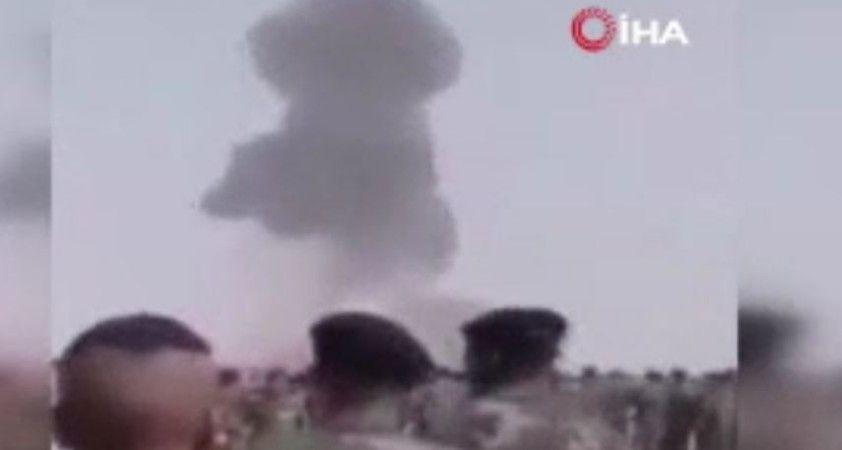 Libya'da askeri törende Hafter'e ait uçak düştü, pilot hayatını kaybetti