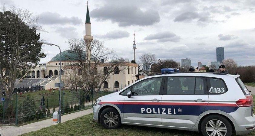 Avusturya'da 4 kişinin ölümüne yol açan teröristin gittiği camiye kapatma kararı