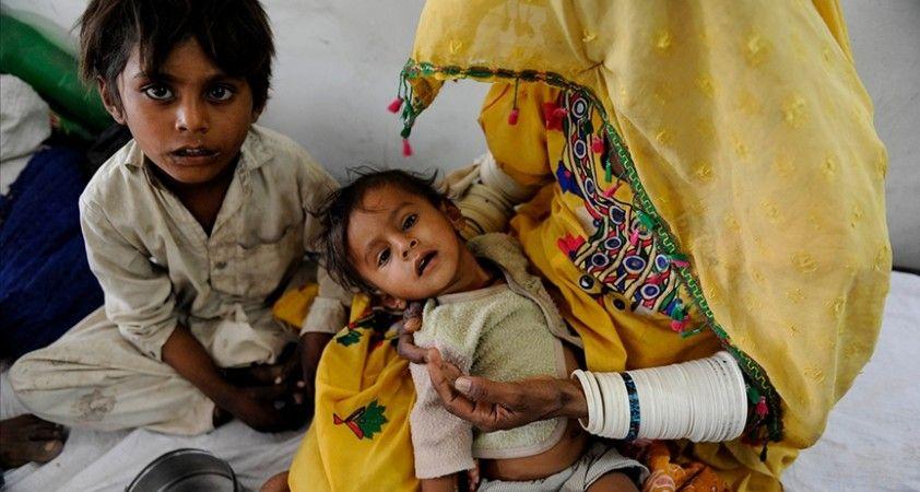 Hindistan'ın Firozabad şehrinde 'gizemli' yüksek ateşten 12 çocuk daha hayatını kaybetti