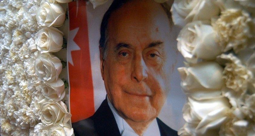 Azerbaycan'ın 'umummilli lideri' Haydar Aliyev