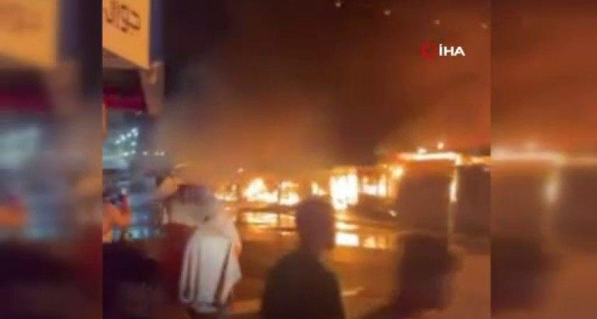 Batı Şeria'da halk pazarında dev yangın