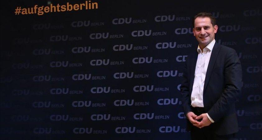 Merkel'in Hristiyan Demokrat Birlik Partisi Türk kökenli siyasetçiyi milletvekili adayı gösterdi