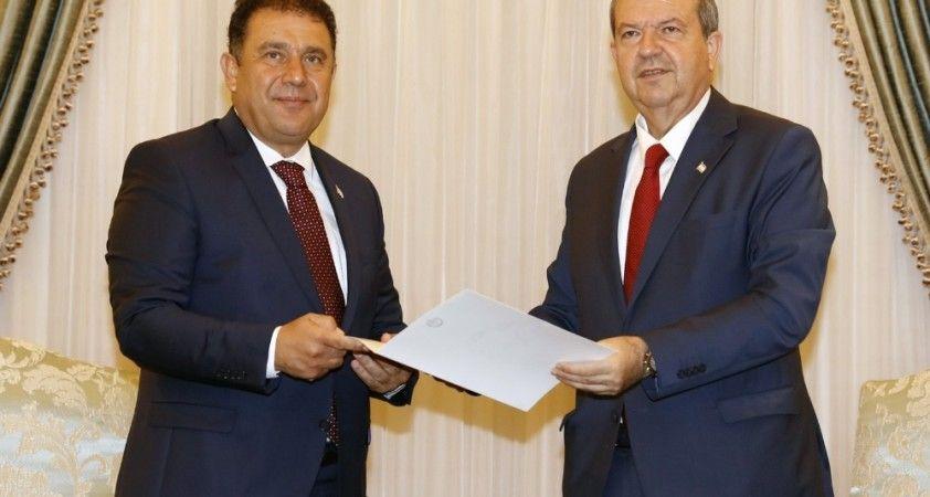 KKTC Cumhurbaşkanı Tatar, hükümet kurma görevini Saner'e verdi