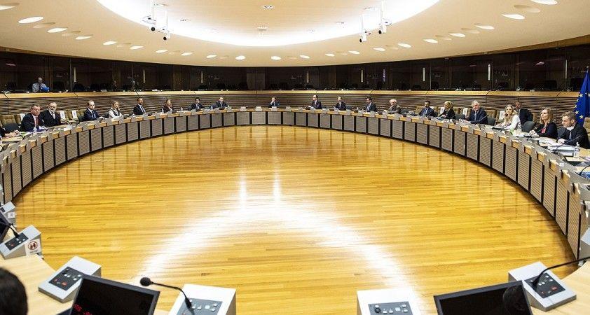 Brexit müzakerelerine Kovid-19 nedeniyle zorunlu ara
