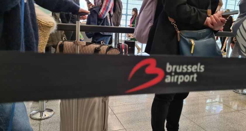 Belçika'da uçak yolcuları için kağıt bilgi formu kaldırıldı