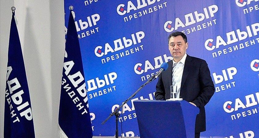 Kırgızistan Cumhurbaşkanı Caparov 'yatırım ortamının iyileştirilmesi' için hızlı karar alınmasını istedi