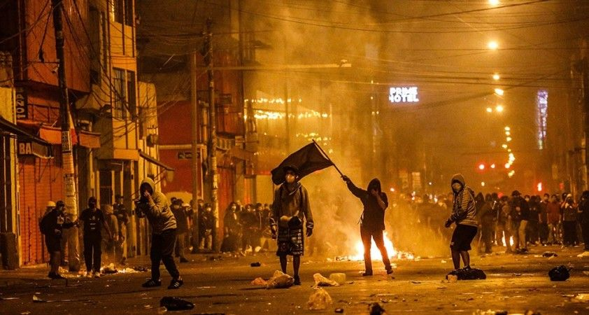 Peru'da Devlet Başkanı Manuel Merino istifa etti