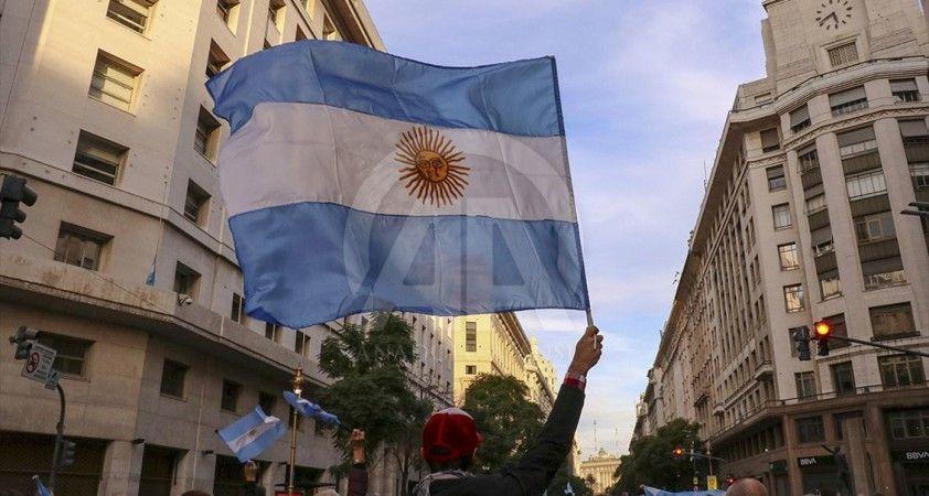 Arjantin'de korona tedavisinde yeni yöntem: At serumu