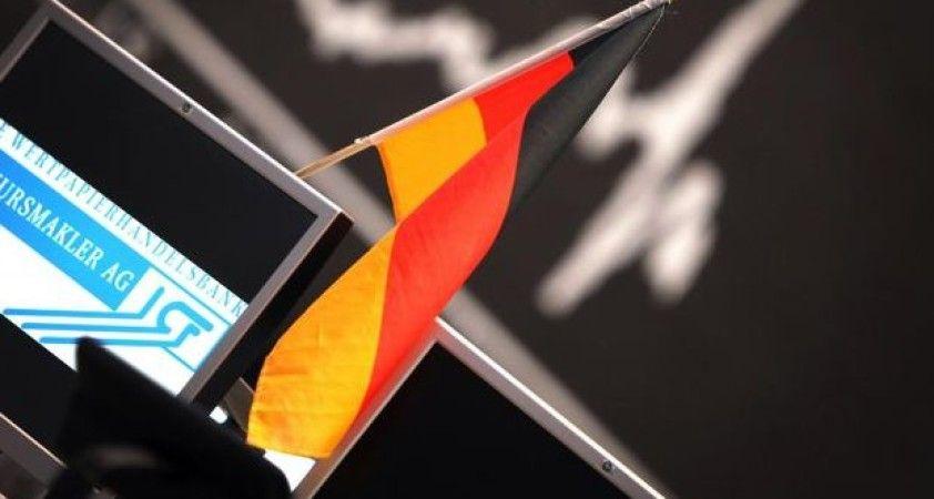Almanya'da yatırımcı güveni 'virüs' endişeleri ile çakıldı