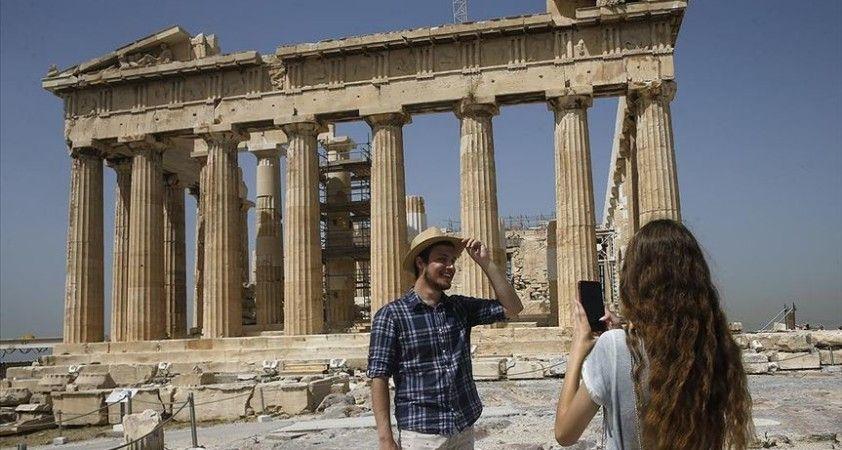 Yunanistan'da turistlere Kovid-19 testi yapılmayacak