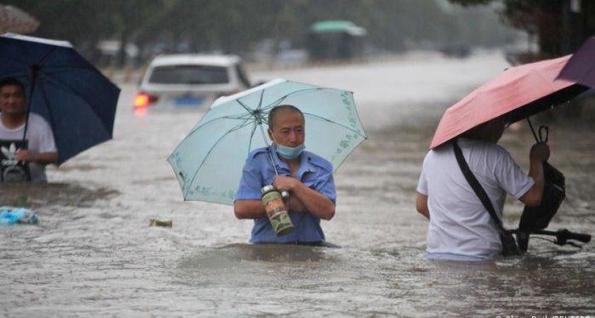Çin'de sel felaketi: 'Bin yılda bir olur'