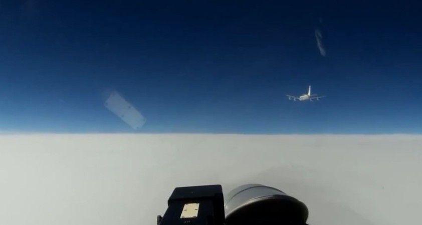 Rus savaş uçağı Baltık denizinde ABD ve Norveç'e ait keşif uçaklarını engelledi