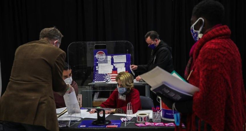 ABD Kongre seçimlerinde Temsilciler Meclisinde Demokratlar avantajlı, Senato'da yarış başa baş