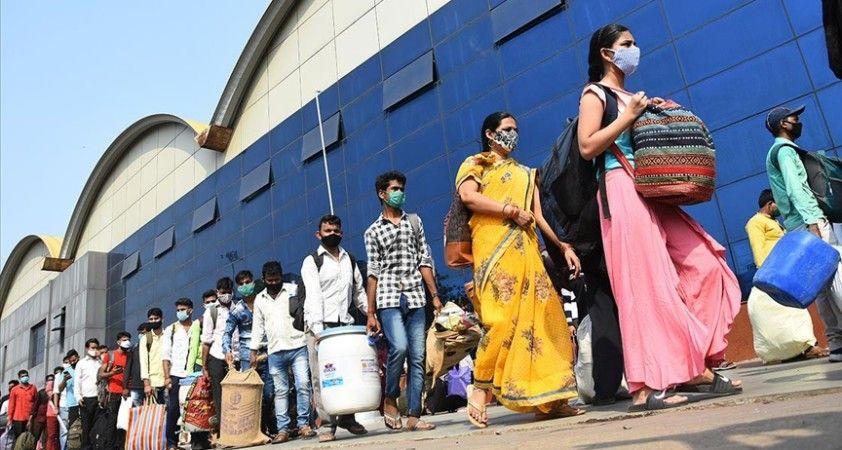 Hindistan'da Kovid-19 salgınında günlük vaka sayısı 200 bini aştı