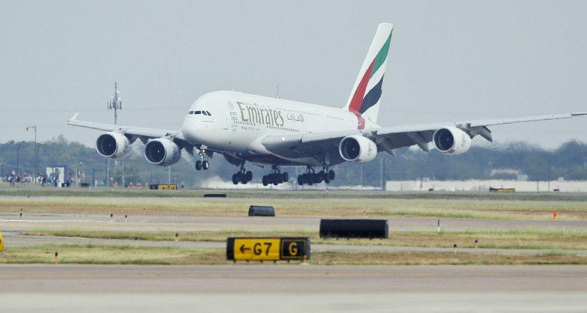'BAE heyeti uçakla Afganistan'a gitti', Pakistan Havayolları Kabil için uçak bileti satmaya başladı