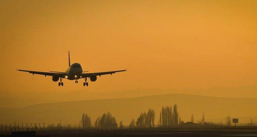 KKTC'de grev nedeniyle uçuşlar yeniden ertelendi