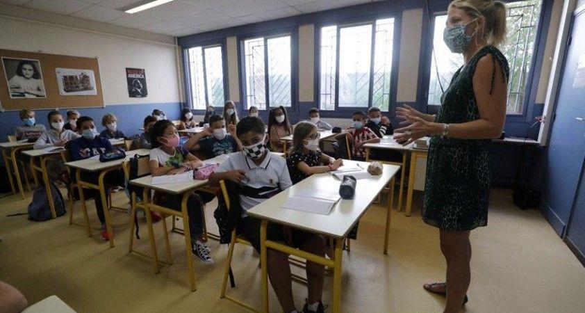 ABD'de okullar açıldı: 25 bin öğrenci ve öğretmen Kovid-19 oldu