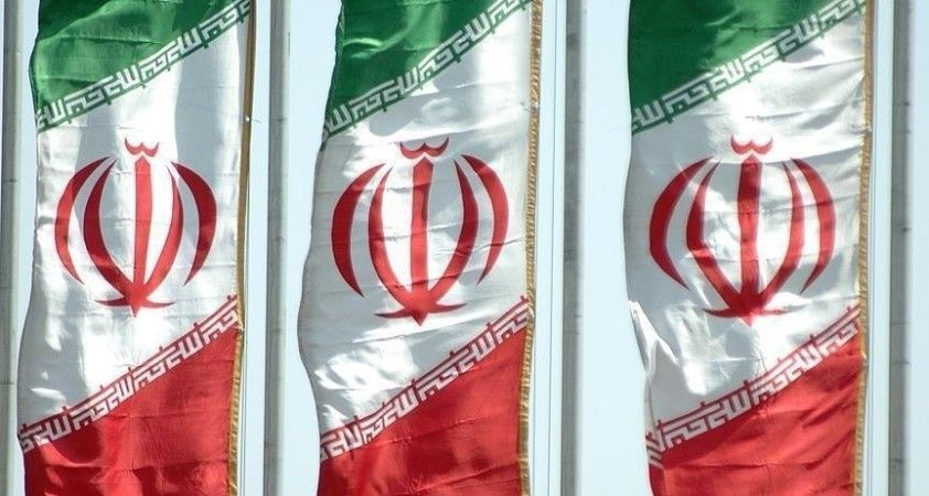 İran, mutasyonlu virüsün yayılması nedeniyle Irak'a açılan iki sınır kapısını kapatıyor