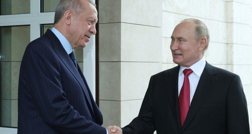 Putin'den Cumhurbaşkanı Erdoğan'a Sputnik V aşı önerisi