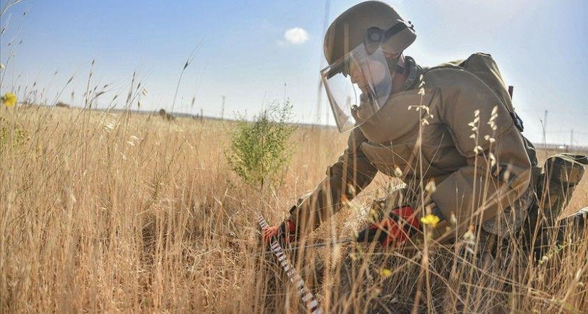 TSK'nın ÖMAT timleri Karabağ'daki mayınlı arazilerin temizliği için göreve başladı