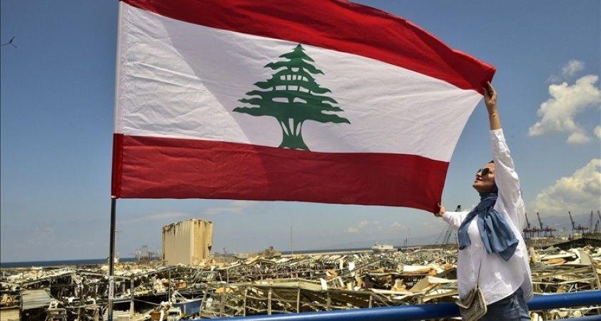 Uzmanlara göre, hükümet kurma sürecinin tıkandığı Lübnan belirsizliğe sürükleniyor