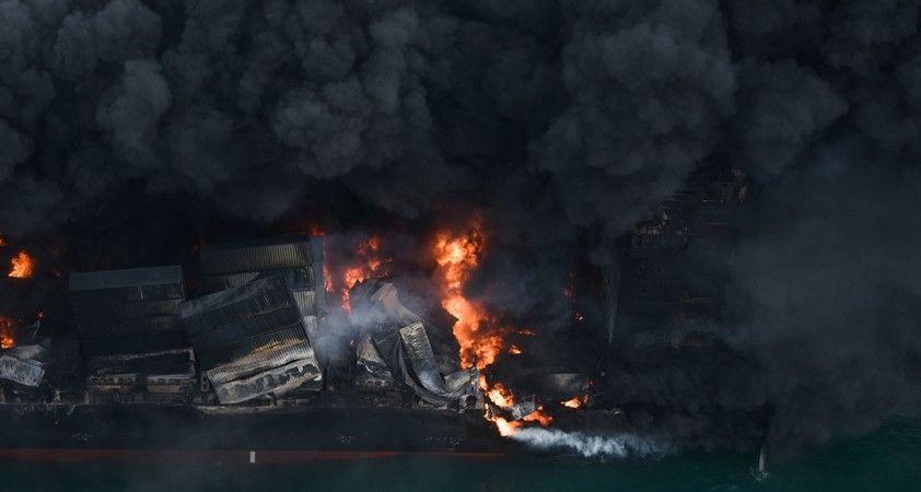 Sri Lanka'da yanan gemide