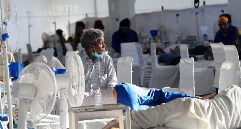 Hindistan'da Kovid-19 nedeniyle son 24 saatte 3 bin 660 kişi öldü