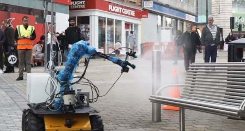 Leeds'te koronavirüse karşı 'robot temizlik görevlileri'
