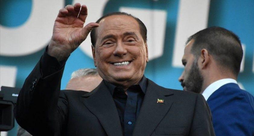 Kovid-19 tedavisi gören Berlusconi hastaneden taburcu edildi