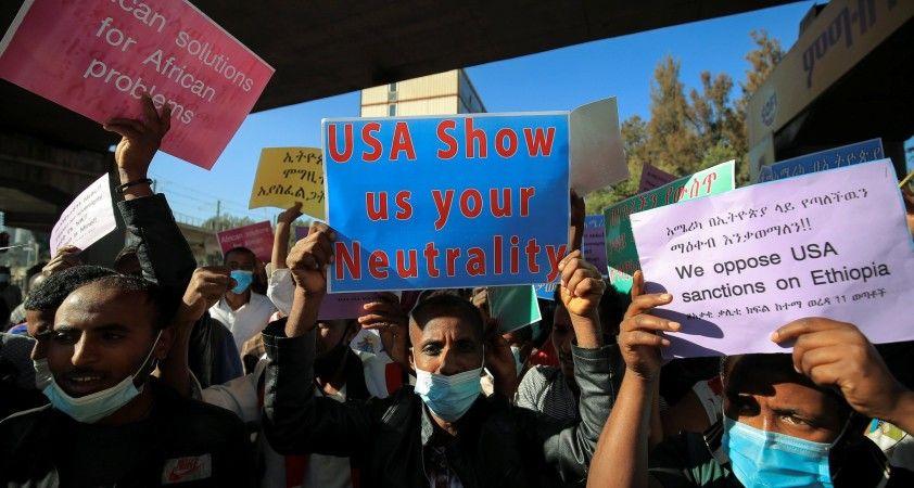 Etiyopya'da Tigray için ateşkes çağrısı yapan ABD'yi protesto gösterisi
