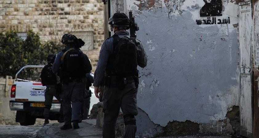 Batı Şeria'da Yahudi yerleşimciler bir Filistinlinin evine yanıcı maddelerle saldırdı