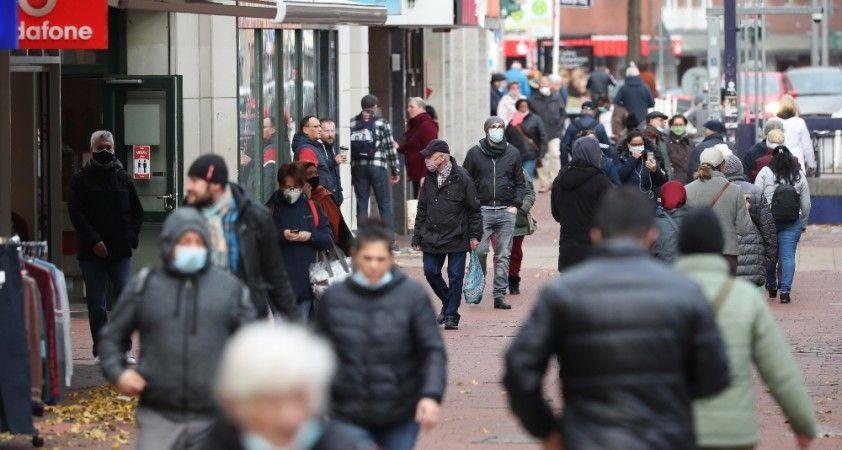 Almanya'da son 24 saatte 23 bin 648 koronavirüs vakası
