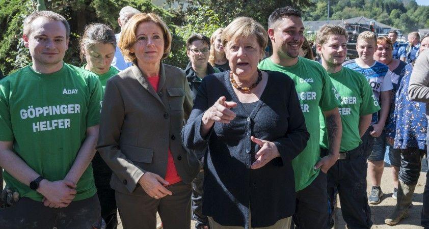 Almanya Başbakanı Merkel'den sel bölgesine ziyaret