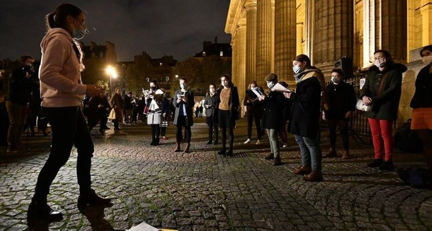 Fransa'da günlük Kovid-19 vaka sayısı 20 binin altına indi