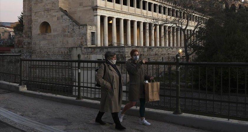 Yunanistan'da Kovid-19 kısıtlamaları gevşetiliyor