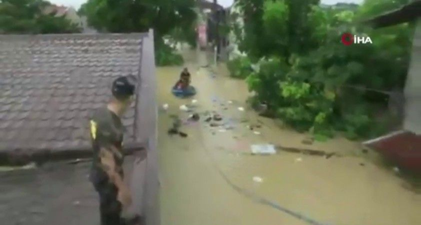 Vamco tayfunu Filipinler'i vurdu