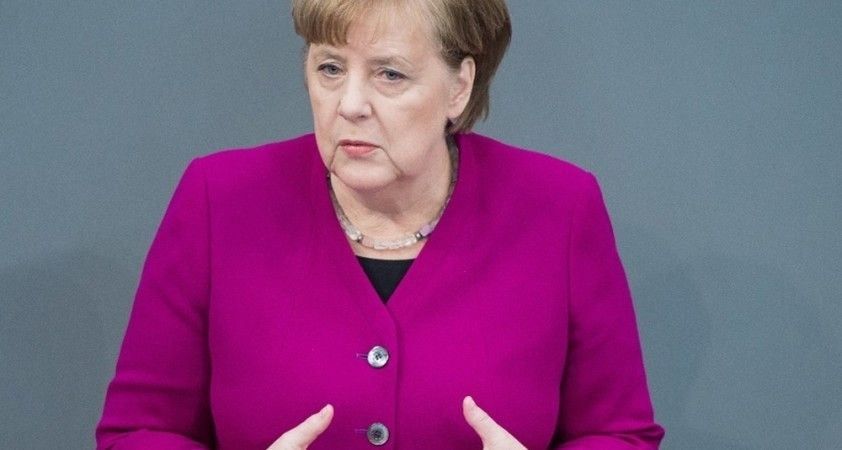 """Merkel: """"AstraZeneca aşısı yaptırırdım ama sıramı bekliyorum"""""""
