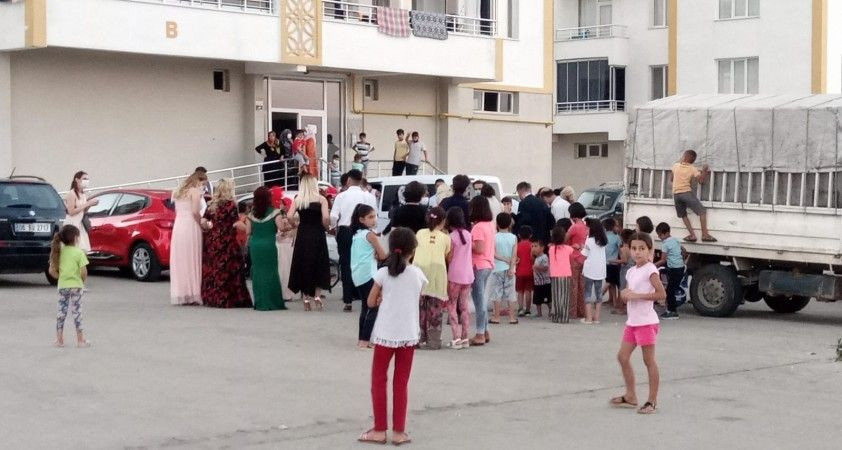Diyarbakır'da 'korona halayları' devam ediyor