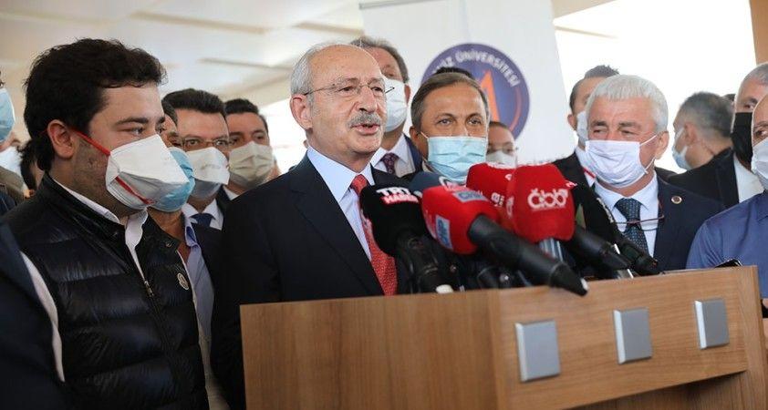 """Başkan Böcek'i ziyaret eden Kılıçdaroğlu: """"Gülümsedik, sohbet ettik, espri yaptık"""""""
