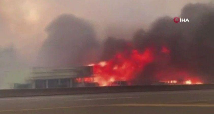 Aşırı sıcakların kasıp kavurduğu Kanada'da orman yangını - Alevler yerleşim yerlerini tehdit ediyor