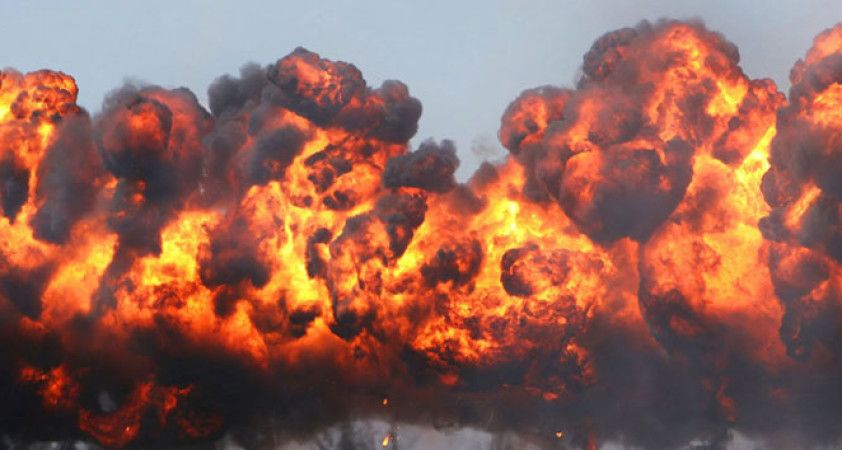Nijerya'da yakıt yüklü tanker patladı: 2 kişi öldü, 29 araç yandı