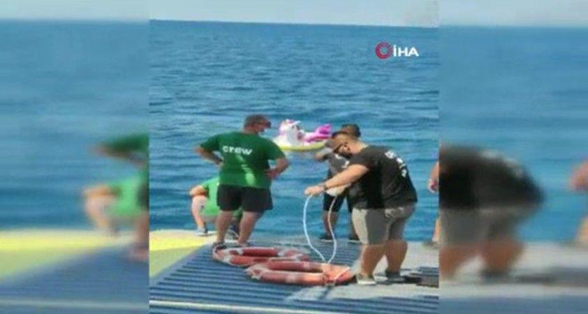 Yunanistan'da akıntıya kapılan küçük kız bölgeden geçen feribot tarafından kurtarıldı