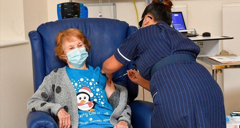 İngiltere'de nüfusun tamamına Kovid-19 aşısı yapılması 1 yıl sürebilir