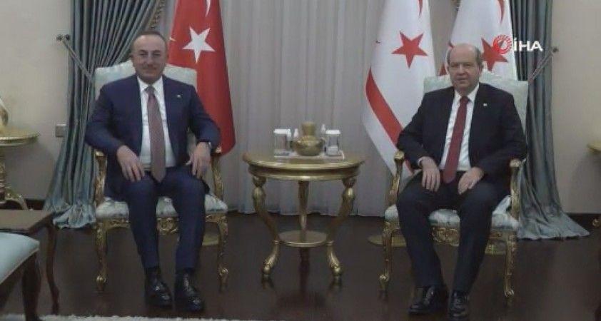 Bakan Çavuşoğlu KKTC Cumhurbaşkanı Tatar ile görüştü