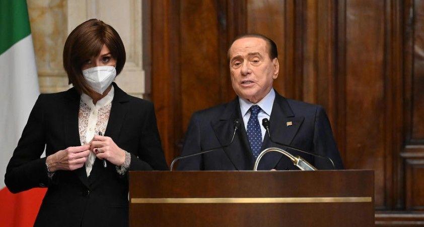 Eski İtalya Başbakanı Berlusconi hastaneye kaldırıldı